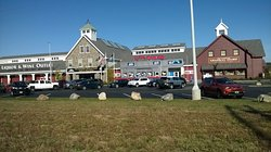 New Hampshire State Liquor Store & Safety Rest Stop