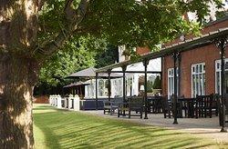 Hilton St Anne's Manor, Bracknell