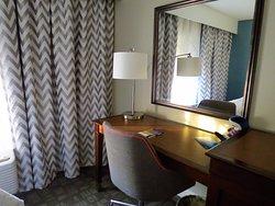 Beautiful, Clean Hotel Close to SeaWorld Orlando