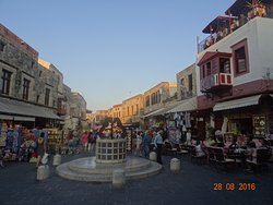 Evreon Martyron Square