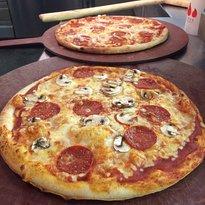 Matzaluna Pizza