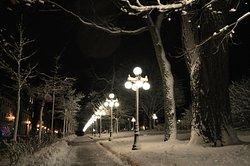 Manoir d'Auteuil facing Park de l'Esplanade after the seasons first snow.