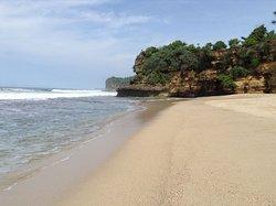 Ngantep Beach