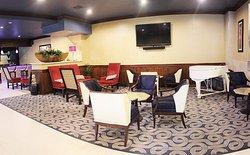 Blend Bar & Lounge
