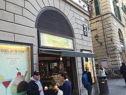Convenient place near the Duomo for gelato