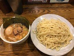 新宿での昼食は結局ここになる