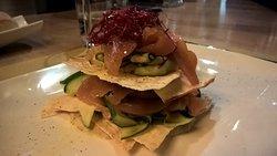 lasagnetta con pane carasau, salmone e zucchine