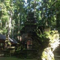 Pura Bukit Sari