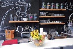 La Terraza Coffee Shop & Kitchen