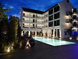 Buri Siri Hotel