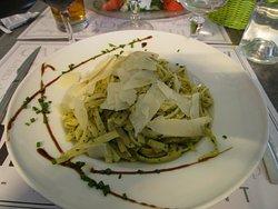 Pesto taglitelle