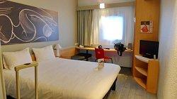 2016 - Orange -France - Ibis Hotel