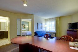 Candlewood Suites Raleigh - Crabtree