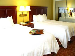 Hampton Inn & Suites Williamsburg-Richmond Rd.