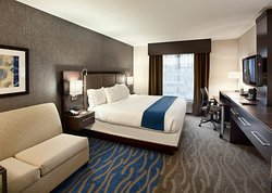 Holiday Inn Express & Suites Dayton South
