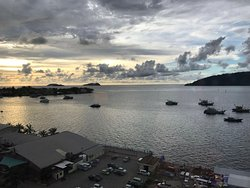 Good Location, Nice Sea View Room