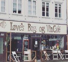 Love's Bog- og Vincafe
