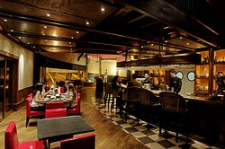 Humus Cocktail Bar