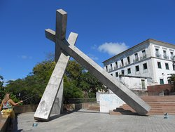 Monumento da Cruz Caída