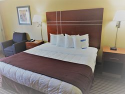 Baymont Inn & Suites Bowling Green