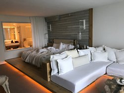 King size bed, ocean view room category with balcony
