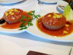 Nidos de cebolla con atún y tomate (podría estar mejor)