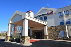 BEST WESTERN Plus Lees Summit Hotel & Suites