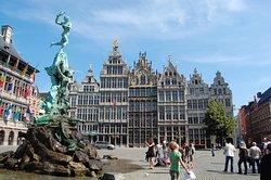 Viva's Antwerp Free Tours