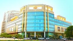 Roya Mall