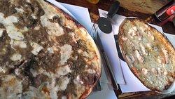 Pizzas de Fricandó y de Salmón