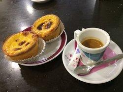 Un café dans l'après-midi