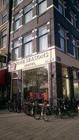 Fine Seasons Hotel