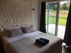 Variety of accomodation in remote NZ location on Wanganui River