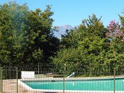 Swimming pool with Cathkin Peak