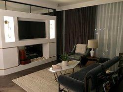 Rooom 1001 Thompson Suite