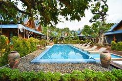 The Nine Thipthara Klongson Resort