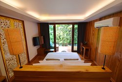 The Nine Thipthara Klongson Resort