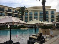 Beautiful Hotel!!