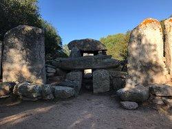 Tomba dei Giganti Su Monte 'è S'Abe