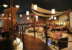 Ngoc Suong Ben Thuyen Restaurant