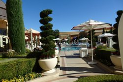 entrance to the Wynn tower suite pools