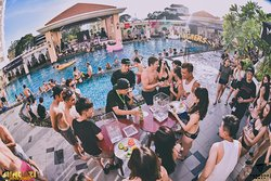 Sundaze Pool Party