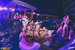 Sundaze Pool Party