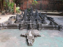 Miniature Replicas of Angkor by Dy Proeung