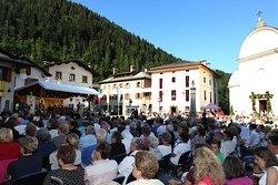 La Santa Messa che ha preceduto l'inaugurazione, il 26 agosto 2016