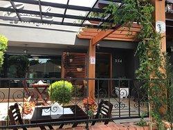 Bassoli Cafe e Bistro