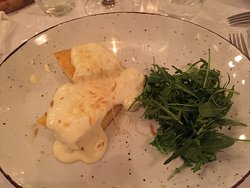 Pasta istriana con asparagi e porcini, polenta con formaggi, gulasch