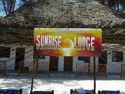 Piccola struttura direttamente sulla spiaggia in stile zanzibarino con personale gentile e dispo