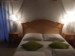Apolonia Guest House