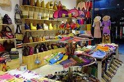 Hantou Souvenirs Shop